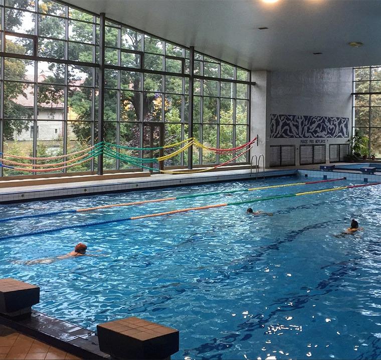 Plavecký bazén Radotín Praha - ZŠ Plavání - plavecké kurzy pro děti - kurzy plavání pro školy i veřejnost