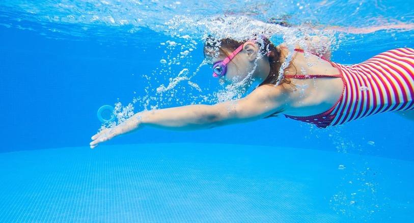 ZŠ Plavání Praha - plavání pod vodou - kurzy plavání pro školy - školni kurz plavání